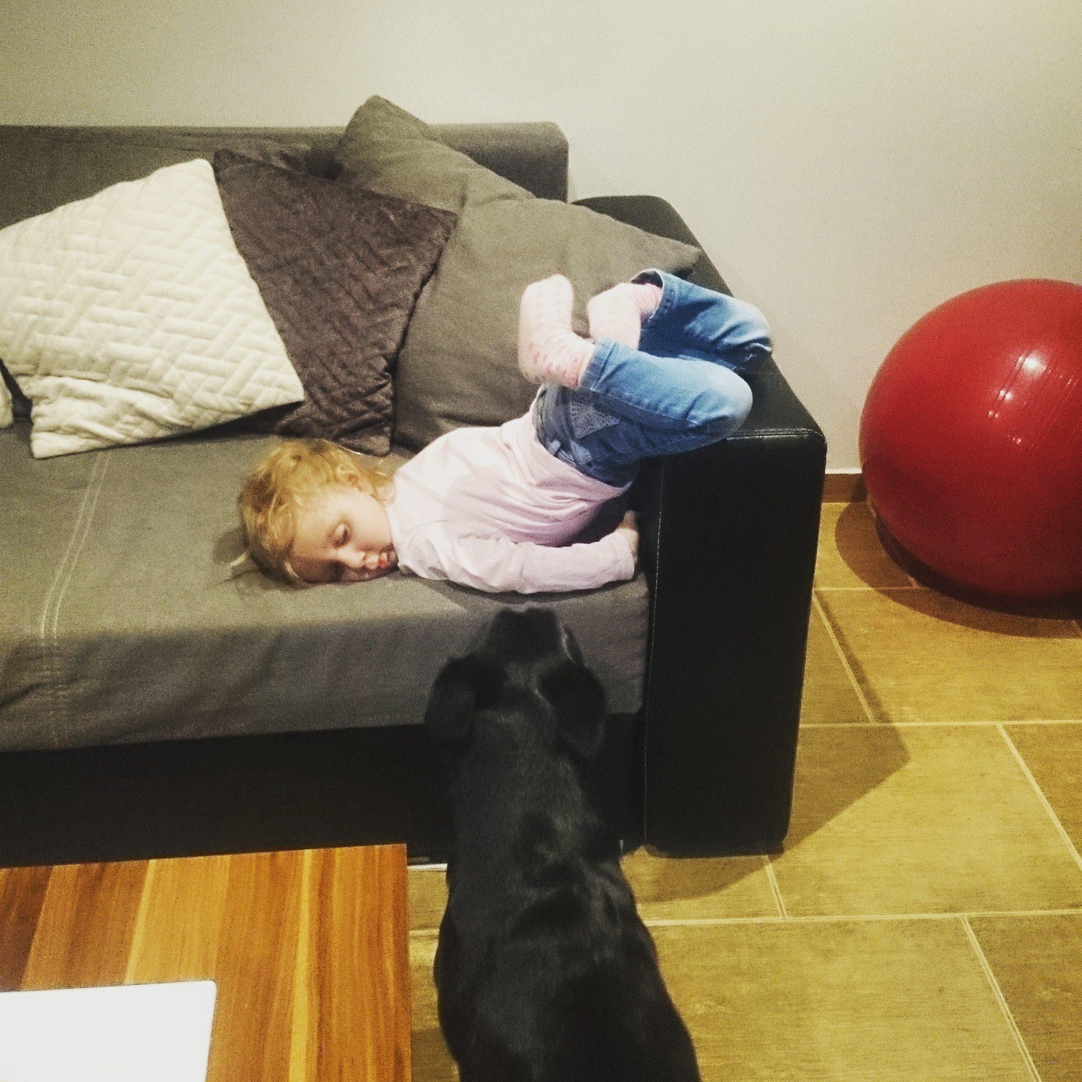 Poradnik – jak zmęczyć dwulatkę?